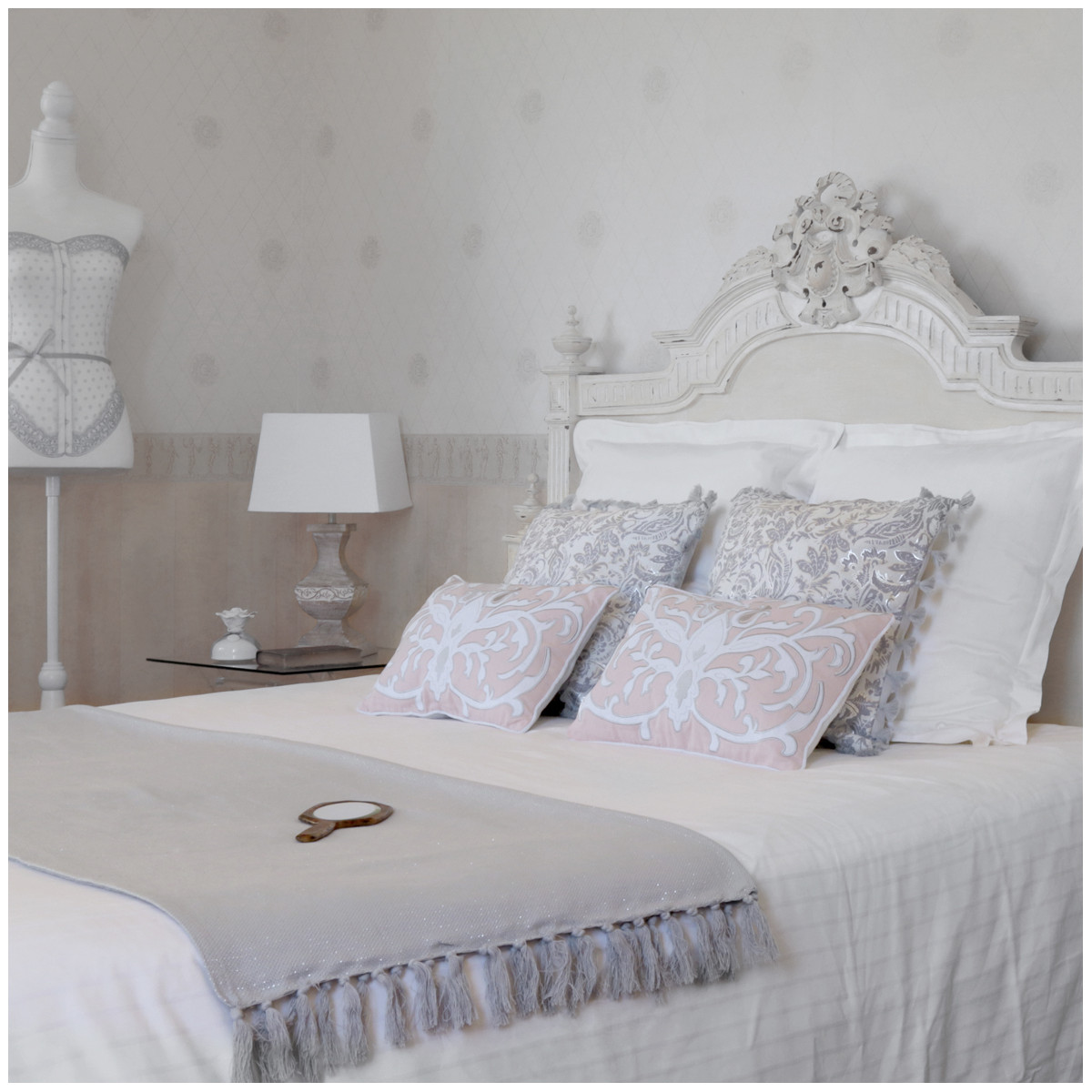 plaid paillet gris clair. Black Bedroom Furniture Sets. Home Design Ideas